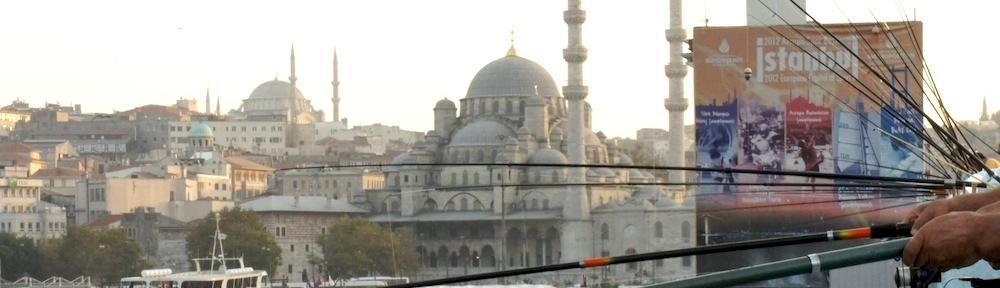 Istanbul Galata Brücke und Neue Moschee