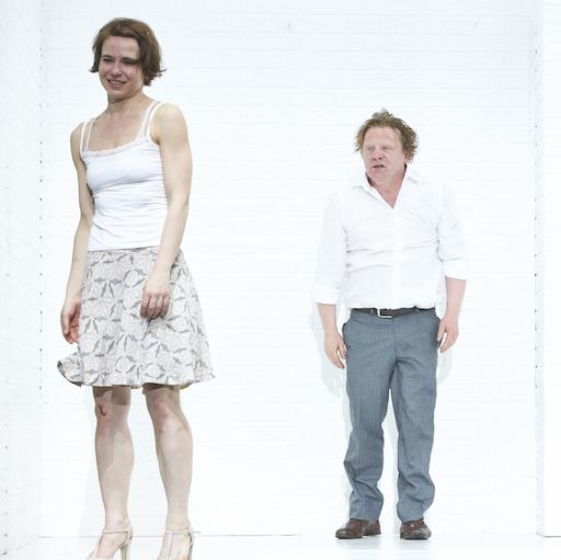 Ⓒ Matthias Horn: v.l. Andrea Wenzl (Gretchen), Werner Wölbern (Faust)